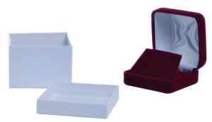 Find jewelry boxes and display items at Retail Resource